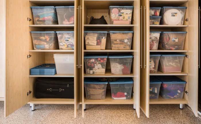 шкаф с контейнерами